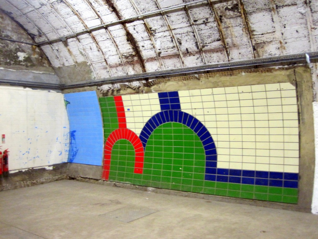 Piccadilly Line tile trial